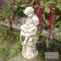 Arthur statue - stone effect