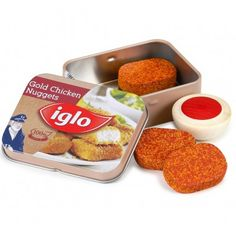 This tin of 3 wooden chicken nuggets and dip from Germany toymaker Erzi will make a great addition to any youngsters play food collection. Kids Play Food, Play Food Set, Pretend Food, Little Girl Toys, Toys For Girls, Cereal Recipes, Dog Food Recipes, 9 Year Old Christmas Gifts, Play Grocery Store
