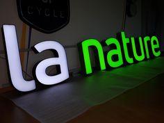 Sign Board Design, Signage Design, Lyon, Signs, Ideas, Shop Fronts, Letter Board, Business, Applique Letters