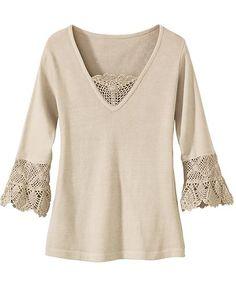 Blusa com belas aplicações de crochê