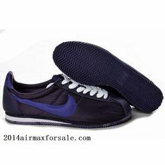 Boys/teens gym shoes.