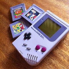 the simple days!!  #instagram #gameboy #geek @adalouvintage