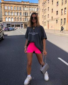 outfit on fleek🔥✅ Lazy Outfits, Cute Casual Outfits, Sporty Outfits, Mode Outfits, Fashion Outfits, Summer Shorts Outfits, Casual Shorts Outfit, Mode Streetwear, Streetwear Fashion