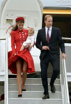 Kate Middleton a vécu un ''Marilyn moment'' en débarquant avec William sur le tarmac de Wellington, le prince George de Cambridge dans les b...