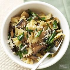 Farfalle with Mushrooms and Spinach - 4 side dish servings so double recipe for 4 entree servings - from BHG Healthy Dinner Recipes under $3