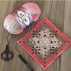 Transcendent Crochet a Solid Granny Square Ideas. Inconceivable Crochet a Solid Granny Square Ideas. Crochet Quilt, Crochet Blocks, Crochet Motif, Crochet Designs, Free Crochet, Crochet Stitches, Granny Square Crochet Pattern, Crochet Squares, Granny Squares