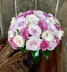 https://www.facebook.com/lovelybridalblooms/photos/pcb.1044638275579353/1044637678912746/?type=3