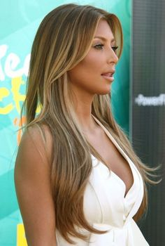 Brown hair, golden blonde highlights
