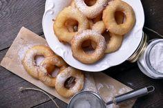 Tropfkrapfen (Drop Donuts) recipe: Try this Tropfkrapfen (Drop Donuts) recipe, or contribute your own. Breakfast Dishes, Breakfast Recipes, Donut Batter, Batter Recipe, Mini Donuts, Doughnuts, Looks Yummy, Sweet Treats, Hispanic Kitchen