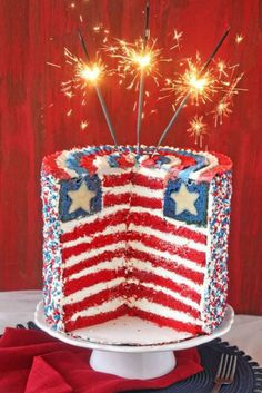 We've collected 33 photos with beautiful, yummy red, white and blue 4th of july desserts. You'll find here the big cakes, sweet desserts, colored cookies and patriotic punches. Catch the inspiration! ★ See more: http://glaminati.com/ideas-4th-of-july-desserts-cakes/?utm_source=Pinterest&utm_medium=Social&utm_campaign=ideas-4th-of-july-desserts-cakes&utm_content=photo32
