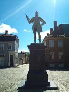 The square statue of Frederik II, the founder of the old town and fortress of Fredrikstad, Norway. Photo: Ann Christin Skogstad, june 2014