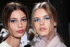 Backstage beauty at HONOR - Blue eyeliner