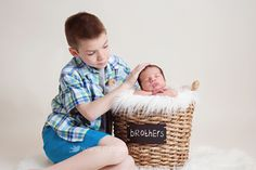 Hamilton Newborn Photography www.momentsbymelissamiller.com Moments by Melissa Miller brothers, sibling, siblings