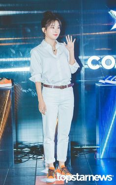 180901 Converse 'One Star Golmok' Event Kang Seulgi, Converse One Star, Red Carpet Fashion, Red Velvet, Girl Group, White Jeans, Rapper, Actresses, Celebrities