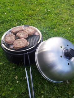 Cobb Bbq, Gras, Charcoal Grill, Grilling, Camping, Outdoor Decor, Charcoal Bbq Grill, Campsite, Crickets