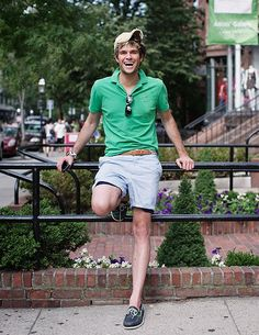 "How to Improve His Wardrobe: Shorts and ""T-Shirt"" - College Fashion Preppy Boys, Preppy Style, Sharp Dressed Man, Well Dressed Men, Preppy Mens Fashion, Men's Fashion, Daily Fashion, Fashion Clothes, College Fashion"