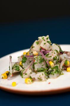 Esse prato da culinária peruana tem a cara do verão. Aprenda a fazer ceviche e se refresque sem culpa!