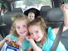Inexpensive Ideas For Keeping Kids Occupied While on a Road Trip | Roo Mag