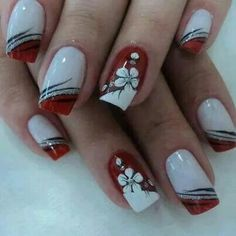 Lines with colored tip & flower accent nail