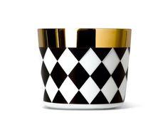 Champagne goblet #sipofgold in the CHECK decor. #siegerbyfürstenberg #siegerbyfuerstenberg #goblets #tumblers #tabelware #decoration #siegergermany