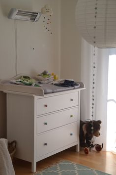 hemnes wickelaufsatz mit fach wei kompakt shops baby changing tables and babies. Black Bedroom Furniture Sets. Home Design Ideas