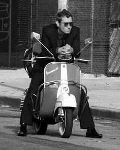 Jude Law / Have you ever felt the warm embrace of a leather seat between your llleeeeegggsss???