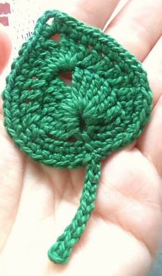 Modelos de Folhas de Crochê Para Inspirar Você - 3 Dicas de Artesanato Crochet Puff Flower, Crochet Flower Tutorial, Love Crochet, Irish Crochet, Crochet Flowers, Unique Crochet, Diy Flower, Beautiful Crochet, Crochet Leaf Patterns