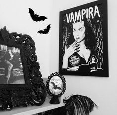 Murderqueen decor. Elvira, Vampira