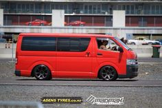 Hiace Car Pics, Car Pictures, Toyota Cressida, Toyota Hiace, Dream Cars, Transportation, Buildings, Decals, Hobbies