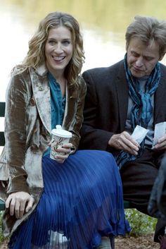 Carrie Bradshaw, Sex and the City season 6.  Amazing velvet jacket.  http://aisforlove.blogspot.com.au/2012/02/fashionably-monday.html