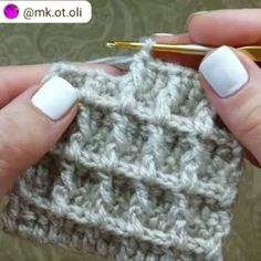 How to knit waffle stitch video tutorial - historychane. - How to knit waffle stitch video tutorial – historychanel - Ribbed Crochet, Free Crochet, Crochet Hats, Knitting Stitches, Knitting Patterns, Crochet Patterns, Knitting Needles, Crochet Waffle Stitch, Crochet Simple