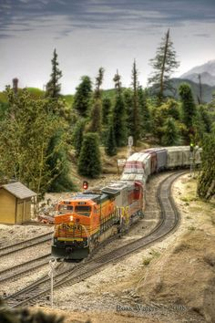 Here BNSF638 is exiting the tunnel at Quin mountain. I am currently shooting a layout that is being torn down for Model Railroader. #modeltrains