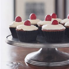 Red Wine Cupcakes with Mascarpone Frosting....SO GOOD.