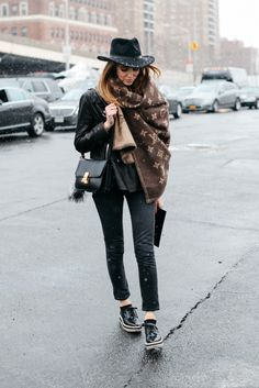 Street Style New York Fashion Week Chic Outfits, Trendy Outfits, Fashion Outfits, Womens Fashion, Net Fashion, Girly Outfits, What To Wear Today, How To Wear, Denim And Lace