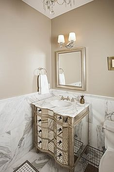 Techniques for Painting Bathroom Walls – Home Decorating Painting Bathroom Walls, Tan Bathroom, Paint For Kitchen Walls, Bathroom Paint Colors, Bathroom Interior, Small Bathroom, Bathroom Ideas, Interior Paint, Bathroom Storage