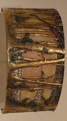 ART NOUVEAU - René Lalique, collier tour de cou. Lisbonne. Fondation Calouste Gulbenkian. <3