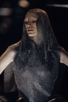Alexander McQueen Fall 1998 Ready-to-Wear Fashion Show Details