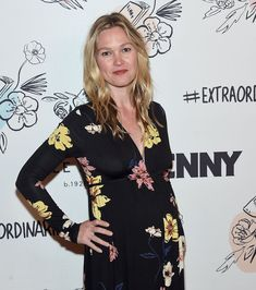 Julia Stiles attends Lenny Anniversary Party at The Jane Hotel on September 2017 in New York City. (Photo by Jamie McCarthy/Getty Images) 2nd Anniversary, Anniversary Parties, Kelsey Grammer, Julia Stiles, Photo L, City Photo, Floral Tops, Kimono Top