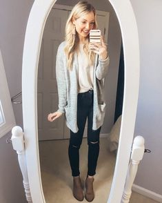 Cardigan // grey cardigan // cute cardigan // cardigan outfit // black jeans // distressed jeans // outfit ideas // Fall outfits // Winter outfits // sugarfix // earrings // tassel earrings // ankle boots // booties // boots