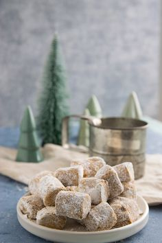 Everyone is crazy about it - recipe for Schoko & Spekulatius dream pieces Winter Christmas, Holiday, Christmas Wonderland, Christmas Cookies, Biscuits, Cereal, Food And Drink, Banana, Breakfast
