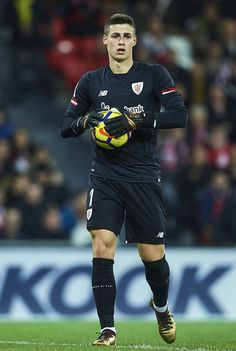 Kepa Arrizabalaga Photos - Kepa Arrizabalaga of Athletic Club looks on during the La Liga match between Athletic Club and Real Madrid at Estadio de San Mames on December 2017 in Bilbao, . - Athletic Club v Real Madrid - La Liga Football Players Images, Football Jerseys, Soccer Players, Fc Chelsea, Athletic Clubs, Goalkeeper, Workout Programs, Premier League, World Cup