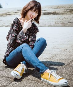 【パンツコーデ】フェミカジコーデはイエローの足元で差を♡ Asian Cute, Cute Asian Girls, Cute Girls, Cute Fashion, Girl Fashion, Petty Girl, Fringe Haircut, Human Poses, Figure Poses