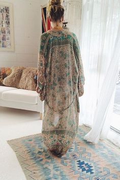 Boho chic bohemian boho style hippy hippie chic bohème vibe gypsy fashion indie folk the 70s .