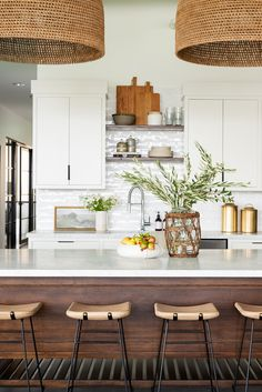 Looking for for pictures for farmhouse kitchen? Check out the post right here for very best farmhouse kitchen ideas. This particular farmhouse kitchen ideas seems to be entirely superb. Home Decor Kitchen, Kitchen Interior, Home Kitchens, Kitchen Ideas, Diy Kitchen, Kitchen Hacks, Design Kitchen, Diy Interior, Modern Kitchens