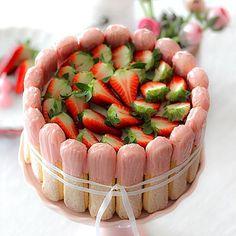 Erdbeer-Tiramisu-Charlotte