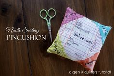 Gen X Quilters - Quilt Inspiration Quilting Tutorial: Needle Sorting Pincushion Tutorial What a sensible idea. Sewing Hacks, Sewing Crafts, Fabric Crafts, Sewing Projects, Sewing Ideas, Quilting Tips, Quilting Tutorials, Quilting Room, Pincushion Tutorial