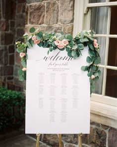 You don't have to go over-the-top to make a statement on your wedding day. It may be simple, but this seating chart is as timeless and elegant as they come!   Photography: @juliaparkphoto   Event Planning: @rebeccachanweddings   Signage: @lovelettering_doriswai