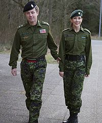 Crown Prince Frederik and Crown Princess Mary of Denmark Princess Marie Of Denmark, Princess Alexandra, Crown Princess Mary, Prince And Princess, Denmark Royal Family, Danish Royal Family, Princesa Mary, Mary Donaldson, Kate And Pippa