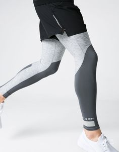 You'll love these Simenual fitness leggings with their designer white pattern on the right leg, satin-like feel and thicker-than-usual material to ensure you do Sport Fashion, Fitness Fashion, Mens Fashion, Mens Outdoor Fashion, Fashion Wear, Athletic Outfits, Sport Outfits, Gym Outfit Men, Mens Tights