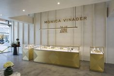 A year since the opening of its first store at IFC Mall, jeweller Monica Vinader has opened a second store at Harbour City in Kowloon and a counter Jewellery Shop Design, Jewellery Showroom, Jewelry Shop, Jewelry Stores, Baby Jewelry, Jewelry Clasps, Jewelry Designer, Cheap Jewelry, Pandora Jewelry